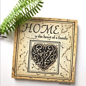 •HP• Home Is The Heart Of A Family Wall Plaque